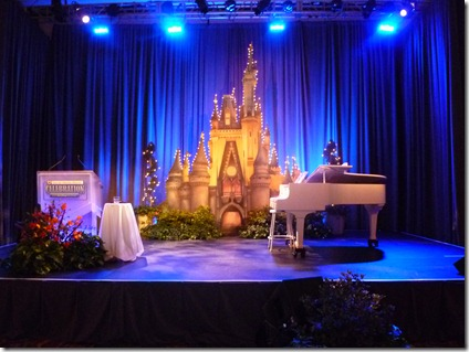 DisneySMMoms Stage