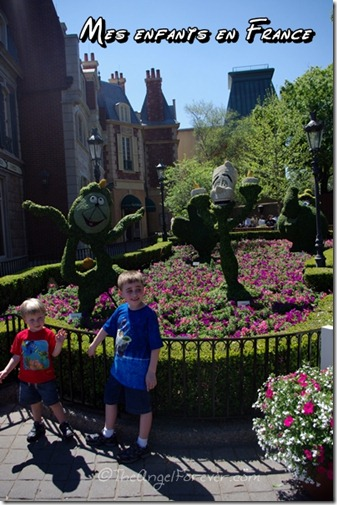 My children in France at Epcot
