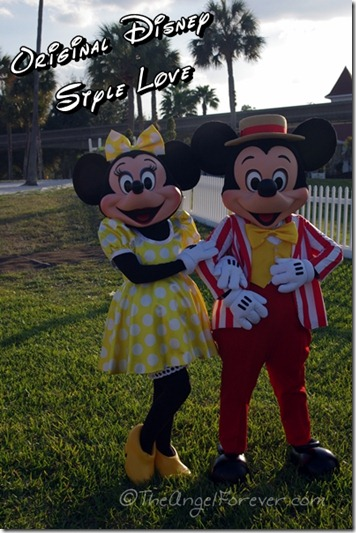 Mickey and Minnie original Disney love